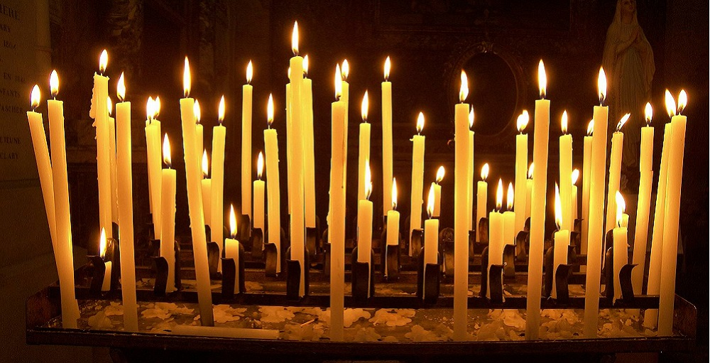 Candles Easter