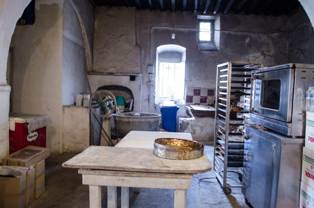 gioras-wood-bakery-mykonos-4