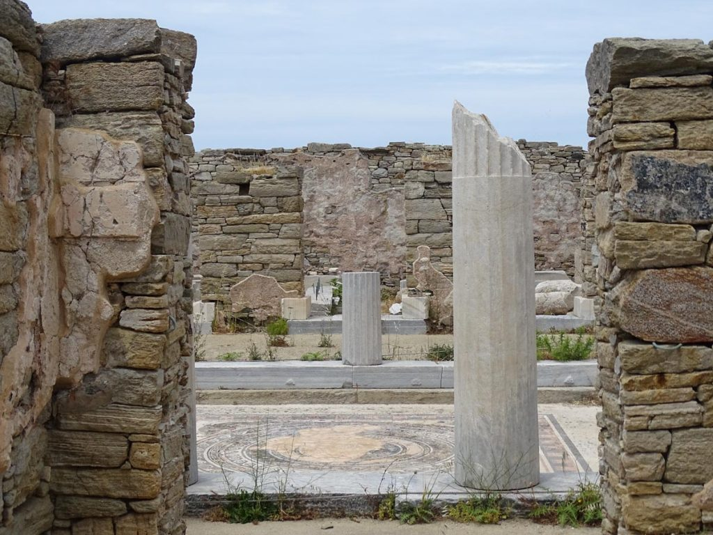 things-to-see-in-delos