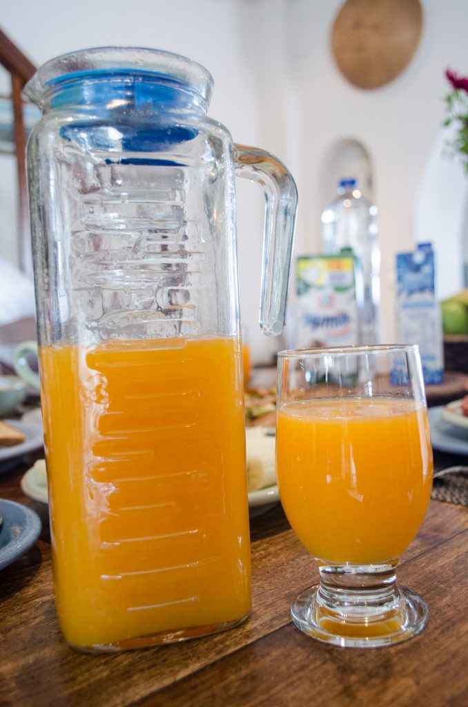 breakfast-at-villa-hurmuses-orange-juice-1