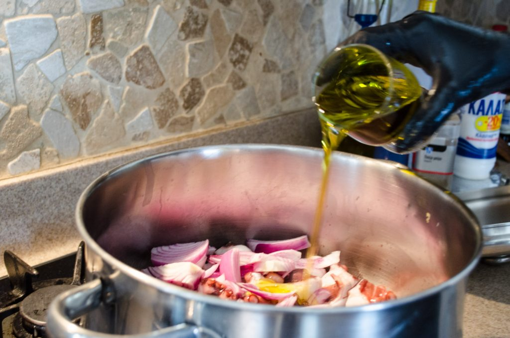 octopus-in-red-wine-preparation-2