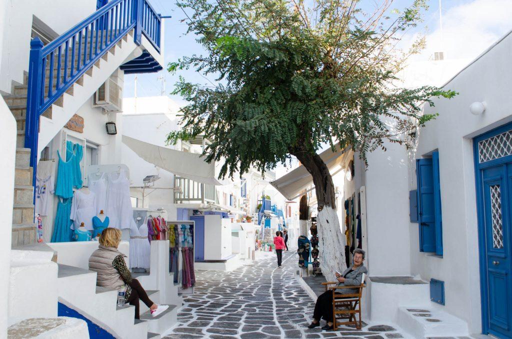 mykonos-cobblestone-streets-1