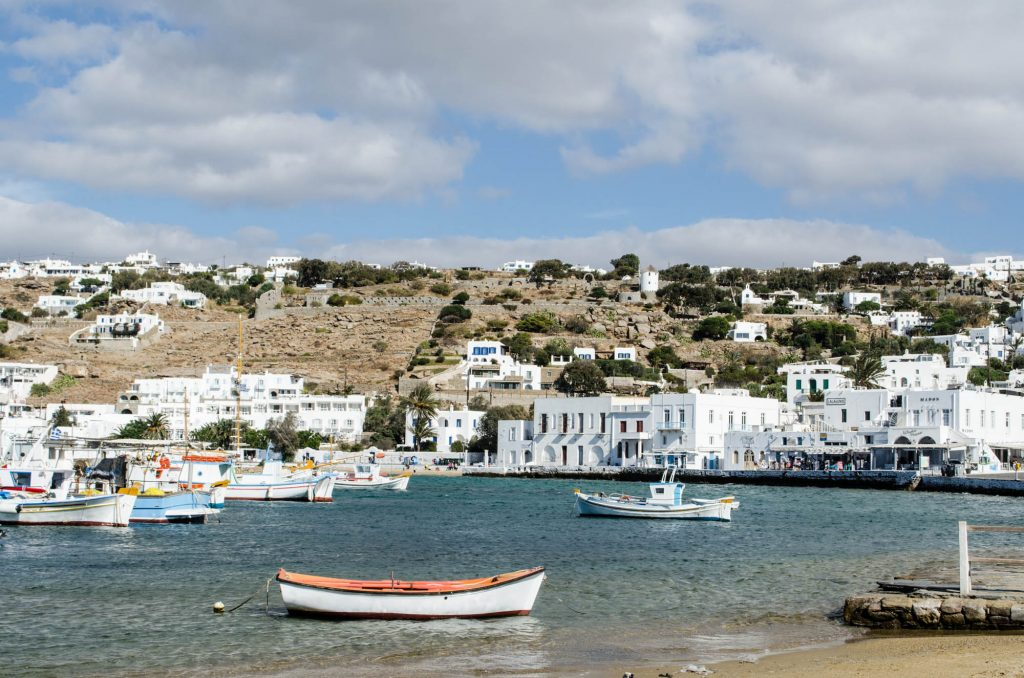 mykonos-harbour-boats-1